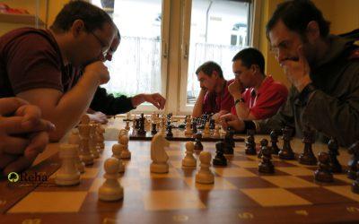 Schach im Bistro