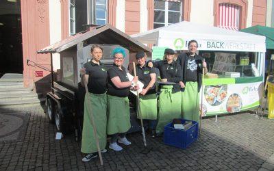 Backmobil auf dem Wochenmarkt